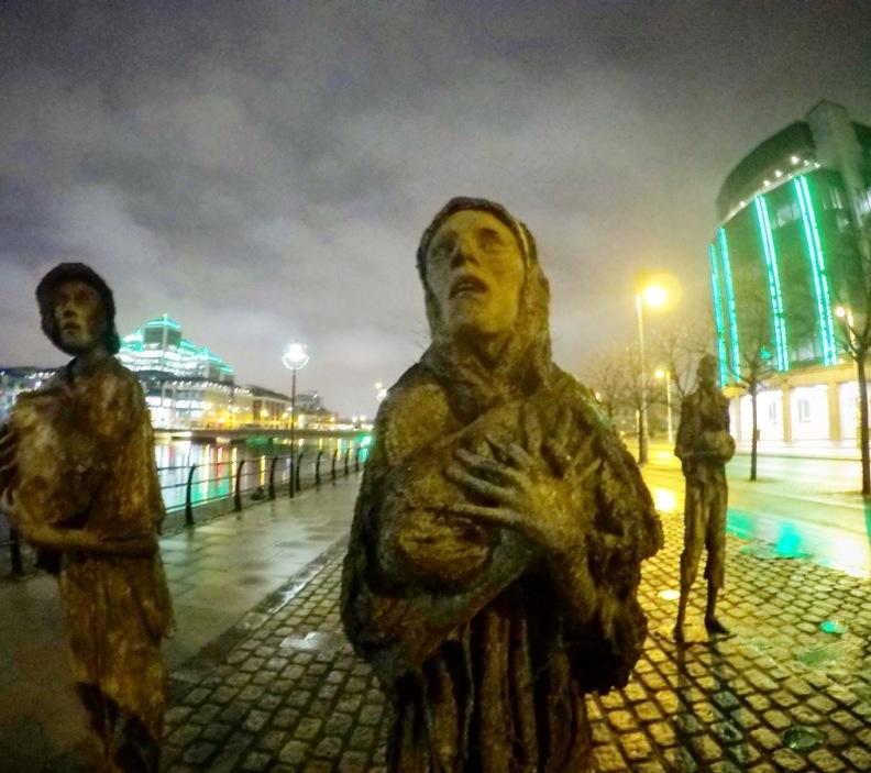 Monumento a las víctimas de la hambruna