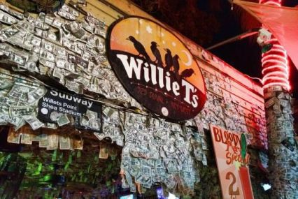 Aunque no tiene aire acondicionado, Willie T's es una de mis favoritas en la isla