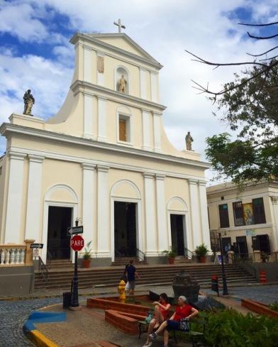 Catedral de San Juan, Calle del Cristo